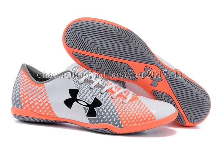 Under Armour Chaussure De Foot Clutchfit Force INIC Gris Blanc Rouge