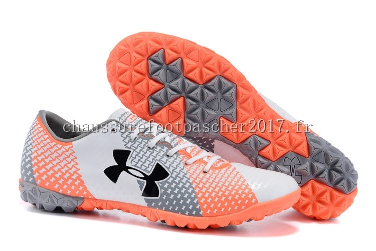 Under Armour Chaussure De Foot Clutchfit Force TF Gris Blanc Rouge